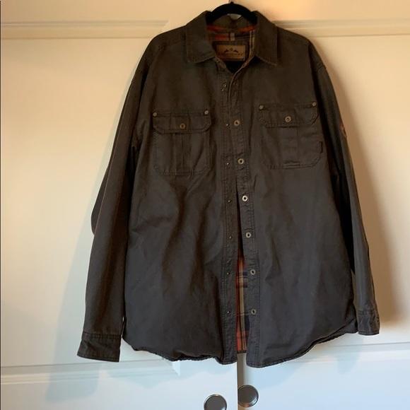 Legendary Whitetails Other - Legendary Whitetails Shirt Jacket